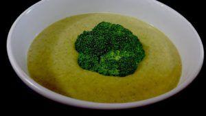 sopa de brocoli vegana