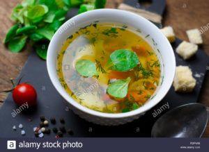 sopa de patata y cebolla vegana