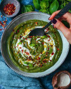 sopa de pimiento y tomate vegana
