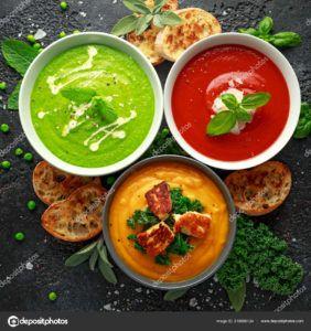 sopa de tomate y cebolla vegana